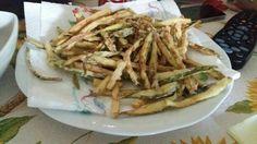 Zucchine fritte...zucchine farina olio x friggere....una bontà
