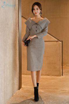 Đầm Công Sở Choàng Vai Tay Dài - F1017DCS - Ảnh 1 #damcov #damdaopho #damdep #damdinhnut #damdutiec #damnganggoi #damtaydai #damthietke #vaydamombody #thoitrangnu #festival #nhamayfestival Office Fashion, Work Fashion, Wedding Gown Rental, Gamine Style, Tweed Dress, Looks Vintage, Korean Outfits, Skirt Outfits, Aesthetic Clothes
