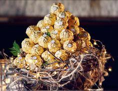Buono sconto Ferrero.  In molti supermercati potete trovare la shopper Ferrero con un coupon per risparmiare 1 euro sull'acquisto di Ferrero Rocher, Pocket Coffee, Mon Cheri o Raffaello.  Link: http://www.omaggiomania.com/buoni-sconto/buono-sconto-ferrero-rocher-pocket-coffee-mon-cheri/