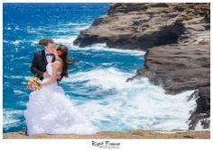 www.rightframe.net - Destination wedding on the beautiful Lanai lookout , Oahu. Hawaii, photography, photographer, photographers, weddings, photos, photo, picture, pictures, pic, bride, groom, hawaiian, romantic, ideas, idea, couple, bouquet, lei, Waikiki, honolulu, trash the dress, beach, blue, pose, poses, Waikiki, honolulu, inspiring, portrait, portraits, posing, session, fun, love, holiday, vacation, getting ready, dress, pre wedding, rocks, cliffs, cliff,