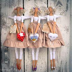 ....a trio of tilda dolls....so whimsically cute!....