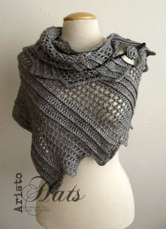 [Free Pattern] Brilliantly Simple Shawl Pattern With A Lovely Design - Knit And Crochet Daily Poncho Au Crochet, Crochet Shawls And Wraps, Knitted Shawls, Crochet Scarves, Crochet Clothes, Knit Crochet, Crochet Hats, Free Crochet, Irish Crochet