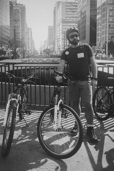 Passeio de bike em SP para ver graffiti no tour Pedalarte, parte do evento Vem Pra Sampa, Meu!, encontro de blogueiros de viagem para explorar São Paulo.