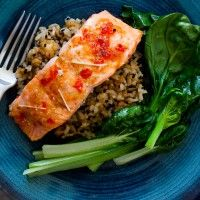 Lime, Chilli and Ginger Glazed Regal Salmon with Japanese Rice and Greens Salmon Recipes, Fish Recipes, Healthy Recipes, Glazed Salmon, Smoked Salmon, Food Hub, Japanese Rice, Greens Recipe, Winter Food