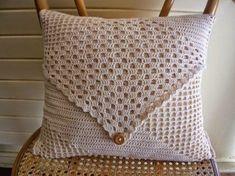 gráficos para almofadas de crochê com botão