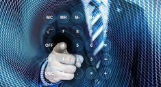 Smartphones, tablettes, ordinateurs portables, télévisions connectées…Les dispositifs digitaux se multiplient et bouleversent le comportement des clients dans leurs actes d'achat. Tour d'horizon du parcours client à l'ère du numérique, de la collecte de renseignements en ligne aux achats en magasin.