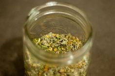 diy nourishing herbal tea (ing.     3/4 cup Nettle leaf      3/4 cup Chamomile flowers      1/4 cup Dandelion leaf      1/4 cup Oatstraw      1/4 cup Red Raspberry leaf  mix and store in mason jar