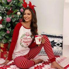 Christmas Costumes, Christmas Pajamas, Pyjamas, Service A Domicile, Christmas Long Sleeve Shirts, Pantalon Long, Ankle Length Pants, Pajamas Women, Long Pants