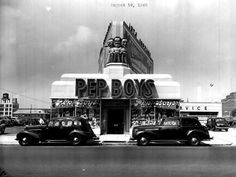 Photo of a Pep Boys auto supply store in 1940 (Reminisce.com)  #vintage #cars