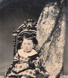 rare VEILED HIDDEN MOTHER w/ YOUNG BOY ID'd Earl Mudge Lockport NY