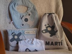 Defilsicolors Sewing For Kids, Baby Sewing, Couture, Funny Kids, Baby Kids, Sewing Projects, Infant, Applique, Lunch Box