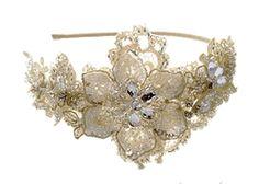 Lace side tiara Esmee