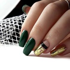 Looking for easy nail art ideas for short nails? Look no further here are are quick and easy nail art ideas for short nails. Green Nail Designs, Best Nail Art Designs, Nail Designs Spring, Foil Nail Art, Foil Nails, Yellow Nails, Green Nails, Cute Nails, Pretty Nails
