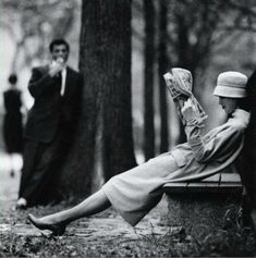 Central Park, New York Photo by Yale Joel, 1957 art fashion black and white photography New York Photos, Old Photos, Black White Photos, Black And White Photography, Classic Photography, Photography Portraits, White Picture, Portrait Photographers, Photography Ideas