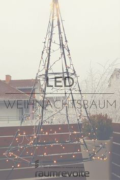 weihnachtsbaum mal h ngend 185 cm 250 led baum von fairybell warmwei leuchtend led. Black Bedroom Furniture Sets. Home Design Ideas