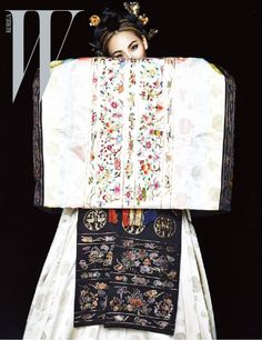 한복 HANBOK, Korean traditional clothes : 2NE1 CL W Korea March 2015 Pictures