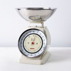 Dwell - Vintage-Style Kitchen Scale with Removable Bowl