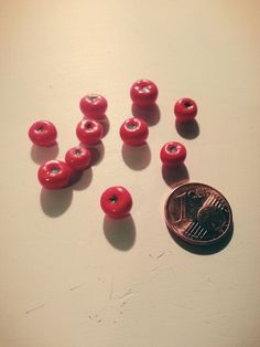 Some 1/12 tomatoes for dollhouses :)