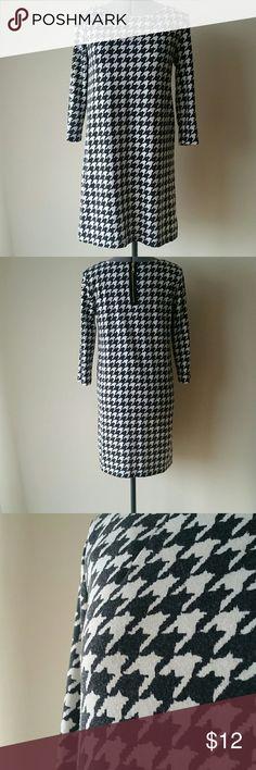 Spotted while shopping on Poshmark: Houndstooth Shift Dress! #poshmark #fashion #shopping #style #H&M #Dresses & Skirts