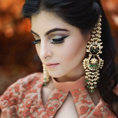 Neha Makeup Artistry Suggests - Go strong on the wing and add some drama to your lashes for a stunning smouldering eye look Thin Hoop Earrings, Big Earrings, Chain Earrings, Bridal Earrings, Bridal Jewelry, Indian Jewelry Earrings, Jewelry Design Earrings, Indian Wedding Jewelry, Designer Earrings