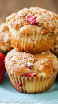 Strawberry Cheesecake Muffins-- like eating strawberries 'n cream cupcakes for breakfast!!