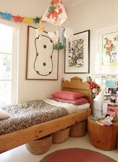 Rangement sous lit - the tale of louella, chilli and indigo tuckey Casa Kids, Ideas Dormitorios, Deco Kids, Kids Decor, Home Decor, Deco Design, Home And Deco, Little Girl Rooms, Girls Bedroom
