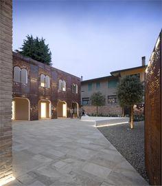 Corten Apartments, Vigonovo, 2011