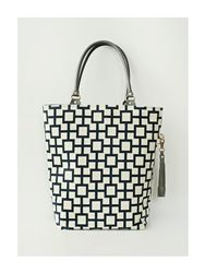 Love this tote by Maddy Nash!