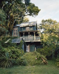 Forest House, Kaitangata Point, New Zealand. I would retire to this house Forest House, Cabins And Cottages, Spring Home, Little Houses, Architecture, Old Houses, Wooden Houses, Abandoned Houses, My Dream Home