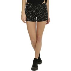 Hot Topic Black & White Music Note Shorts ($24) ❤ liked on Polyvore featuring shorts, black, black and white shorts, black white shorts, white and black shorts and zipper shorts