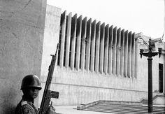 Toma del Palacio de justicia noviembre de 1985. Past, Pictures, Bogota Colombia, Righteousness, November, Antique Photos, Palaces, Hipster Stuff, Photos
