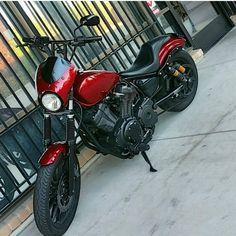 Yamaha Bolt Custom, Custom Bobber, Bobber Motorcycle, Bobber Chopper, Brat Cafe, Bike Ideas, Ride Or Die, Bobbers, Scrambler