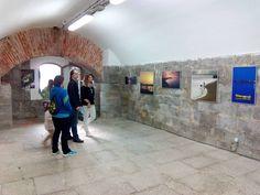 Visita las exposiciones del Fuerte de San Martín. El fuerte y la batería alta están de puertas abiertas con horario de 11h a 14h y de 16h a 19h.  En Semana Santa... ¡Santoña te espera!  #santoñateespera #turismosantoña #yosoydesantoña