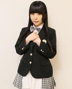 ピアスいっぱいだし、校則は厳しくないのかな😏 . . . #checkshirt #monochrome #でんぱ組検定 #style #schoolfashion #dempagumi #でんぱ組 #japan #idol #fashion #りさちー #相沢梨紗