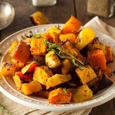 Oven roasted vegetable recipes are healthy, easy to make and delicious. Make it easy to put more vegetable recipes on the menu. Roasted Vegetable Recipes, Roasted Root Vegetables, Vegetable Soups, Root Veggies, Healthy Side Dishes, Side Dish Recipes, Butternut Squash Side Dish, Roasted Butternut Squash, Comfort Food