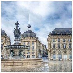 Place de la Bourse Bordeaux To learn more about #Bordeaux, click here: http://www.greatwinecapitals.com/capitals/bordeaux