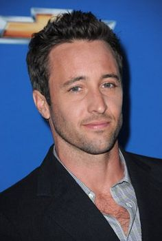 Alex O'Loughlin!!:-) Here is another guy that I think happens to be very sexy:-)!!