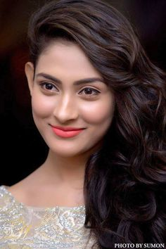 Bangladeshi tv actress and model Mehazabien Chowdhury best picture and wallpaper gallery. Best hd image of actress Mehazabien Chowdhury. Girl Photography Poses, Beauty Photography, India Beauty, Asian Beauty, Female Actresses, Stylish Girl, Woman Crush, Cool Photos, Photo Galleries
