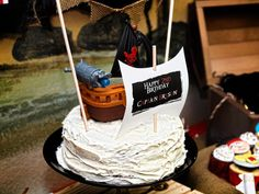 Party Feature: Jake and the Never Land Pirates Party! #cake #pirate #party #birthday #Disney #jakeandtheverlandpirates