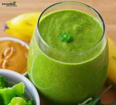What are Broccoli Benefits? How is Broccoli smoothie done? we gave you the broccoli smoothie recipe in 4 easy steps. Protein Smoothie Recipes, Breakfast Smoothie Recipes, Green Smoothie Recipes, Juice Smoothie, Healthy Smoothies, Healthy Snacks, Healthy Recipes, Nutribullet Recipes, Blender Recipes
