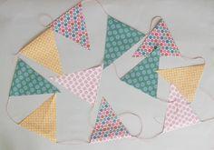 Banderines de papel hechos a mano tutorial hazlo tu mismo diy accesorios complementos lolahn handmade - Guirnalda acabada