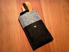 Falls jemand noch ein schönes Smartphone-Etui fürs iPhone 5 sucht, ich hätte da eine Empfehlung: Das Mujjo iPhone 5 Wallet