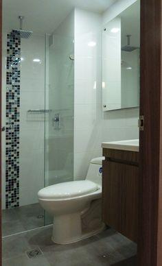 Renovación baño, mosaico azul en vidrio