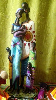 Africanos Black Women Art, Black Art, Black Figurines, African Paintings, Africa Art, Newspaper Crafts, Arte Pop, African Design, Beautiful Dolls