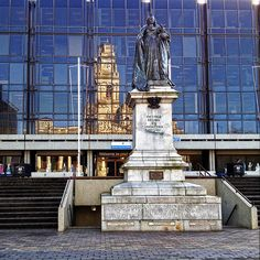 Queen Victoria and the Guildhall, The Waterfront, Portsmouth, England, UK |Flickr - Photo Sharing!