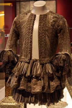 Doublet and trunk hose by photojennic, via Flickr