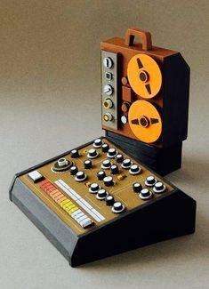 Cardboard Model, Old Computers, Vintage Keys, Illustration, Plastic Model Kits, Retro Futurism, Audio Equipment, Paper Art, Cool Stuff