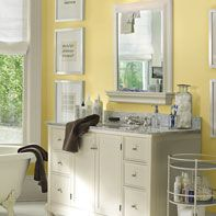 Hawthorne yellow paint from Benjamin Moore: Dining room, guest bedroom. I love this bathroom. Bathroom Color Schemes, Paint Color Schemes, Bathroom Colors, Bathroom Ideas, Bathroom Modern, Design Bathroom, Master Bathroom, Glamorous Bathroom, Barn Bathroom