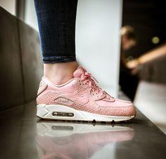 5a36840a5757 Pinker womens Nike Air Max 90 Premium