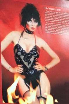 Pointed Bras and Ten Inch Waists Goth Beauty, Dark Beauty, Elvira Movies, Cassandra Peterson, Dark Pictures, Actrices Hollywood, Sexy Older Women, Cosplay, Celebs